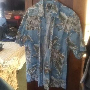 Men's button down Hawian shirt